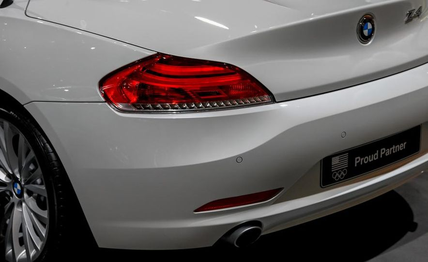 2014 BMW Z4 sDrive35i Pure Fusion Design - Slide 11