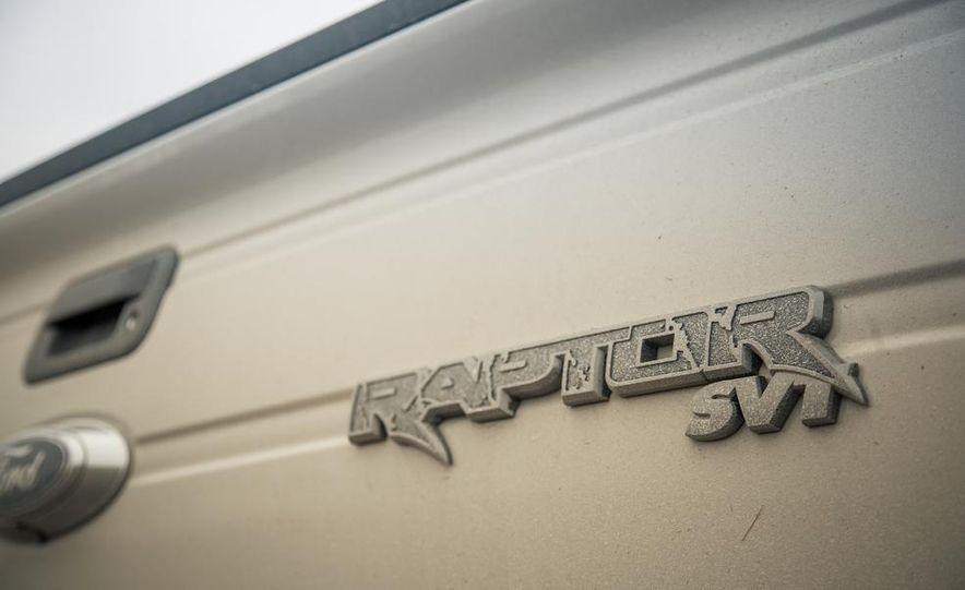 2013 Ford F-150 SVT Raptor SuperCab - Slide 33