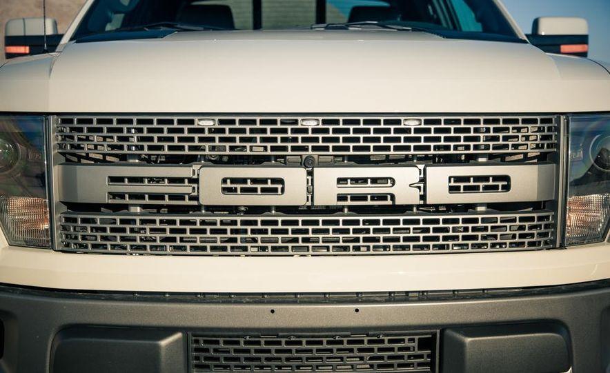 2013 Ford F-150 SVT Raptor SuperCab - Slide 41