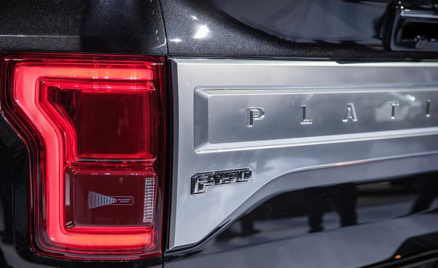 2013 Ford F-150 SVT Raptor SuperCab - Slide 88