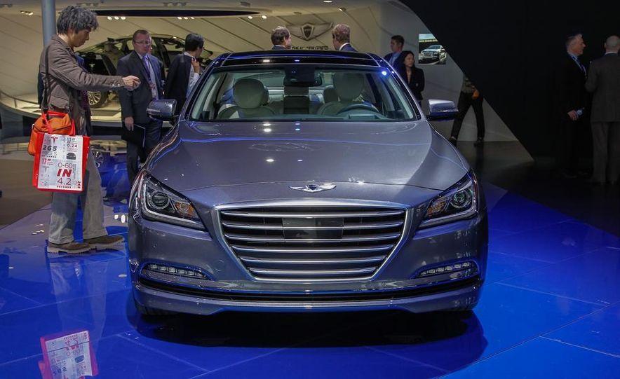 2015 Hyundai Genesis - Slide 1
