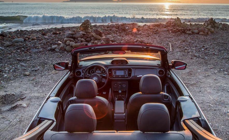 2013 Volkswagen Beetle convertible Turbo - Slide 5