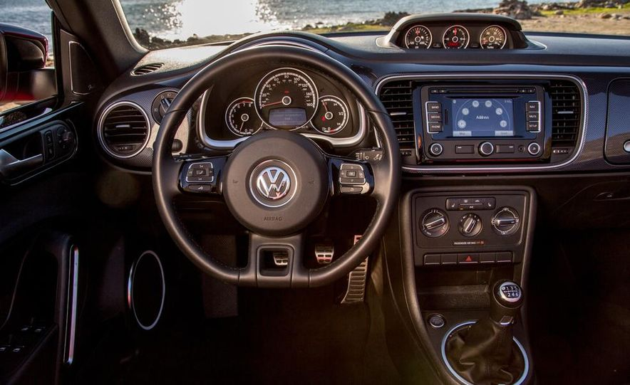 2013 Volkswagen Beetle convertible Turbo - Slide 6