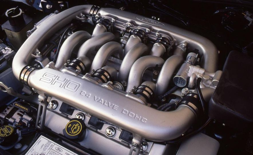 1989 Ford Taurus SHO - Slide 7
