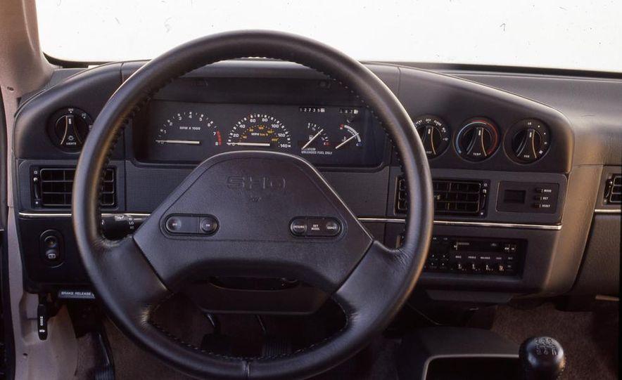 1989 Ford Taurus SHO - Slide 6