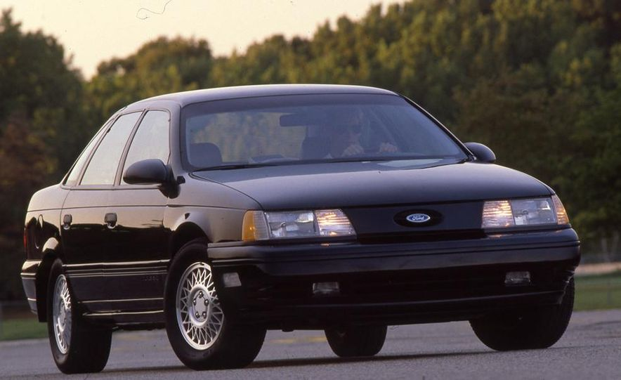 1989 Ford Taurus SHO - Slide 3