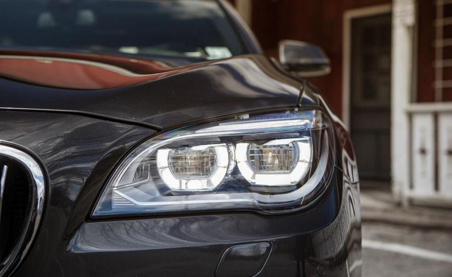 2014 BMW 740Ld xDrive - Slide 35