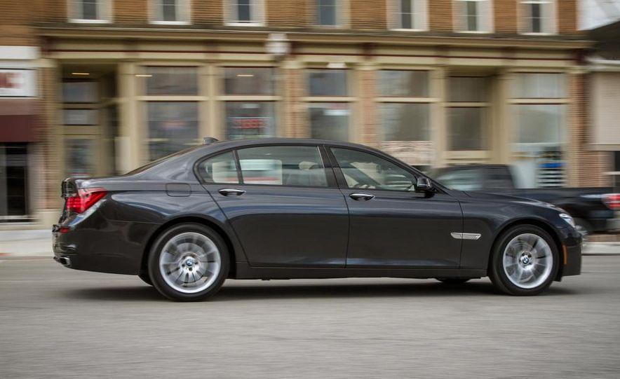 2014 BMW 740Ld xDrive - Slide 24
