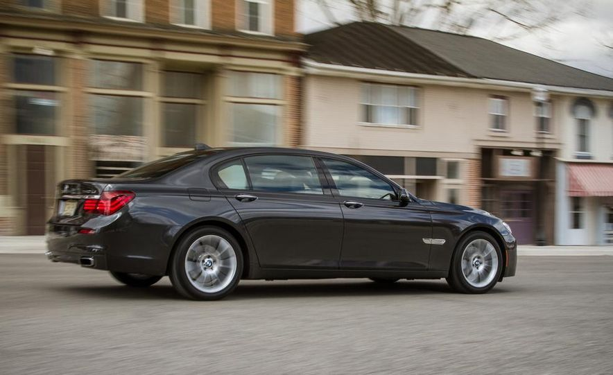 2014 BMW 740Ld xDrive - Slide 25