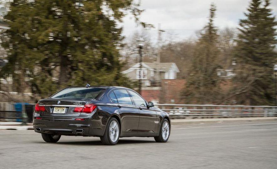 2014 BMW 740Ld xDrive - Slide 26