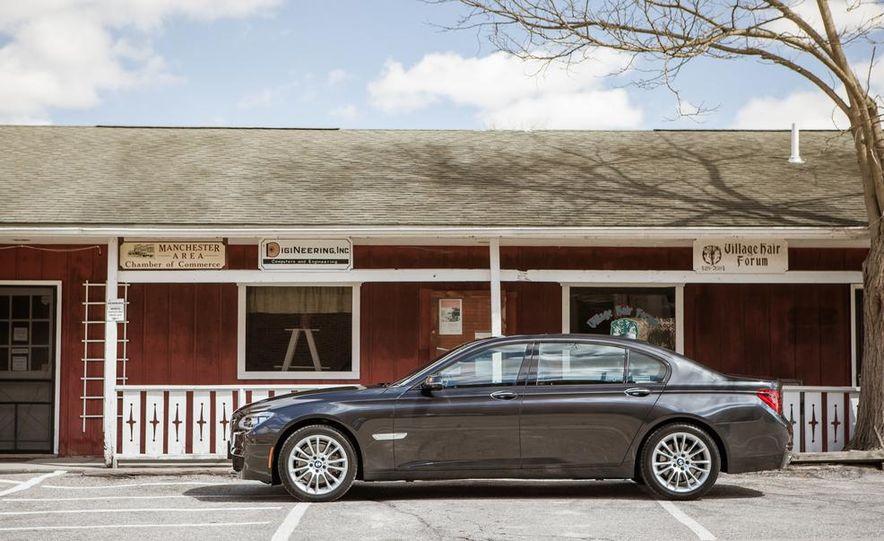 2014 BMW 740Ld xDrive - Slide 32