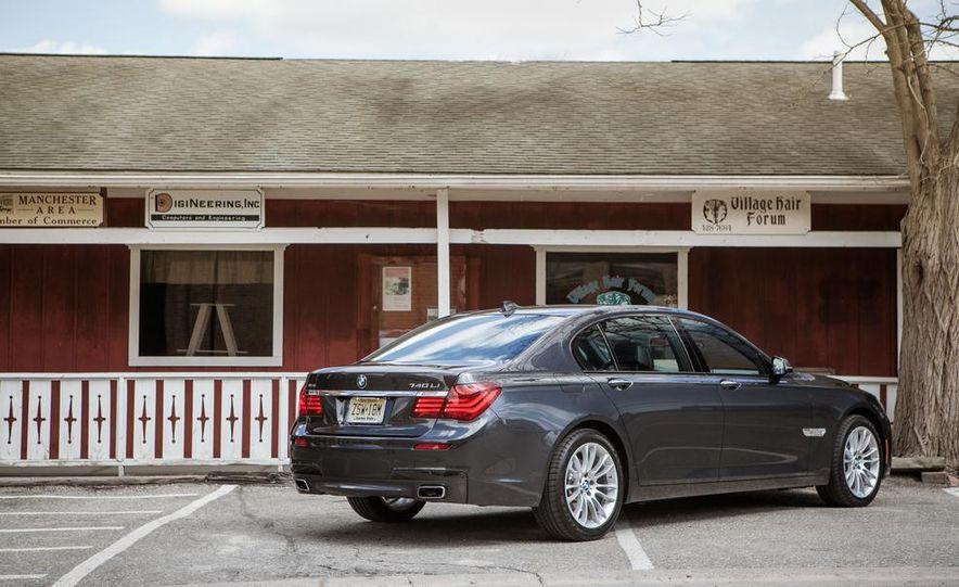 2014 BMW 740Ld xDrive - Slide 34