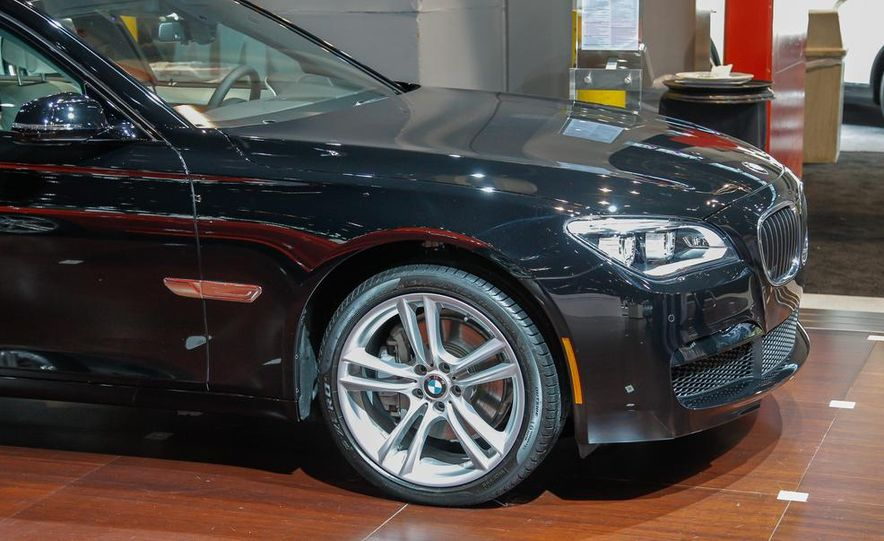 2014 BMW 740Ld xDrive - Slide 8