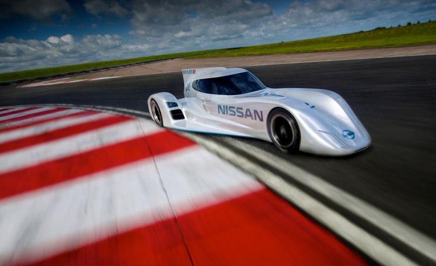Nissan DIG-T R turbocharged 1.5-liter 3-cylinder engine - Slide 7