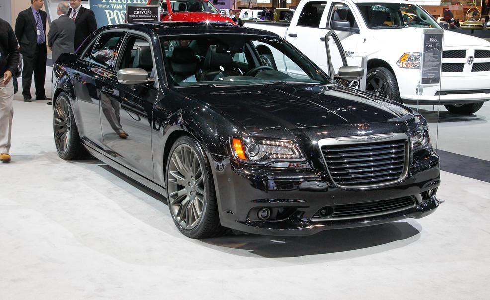 2014 chrysler 300 interior. 2014 chrysler 300c john varvatos limited edition pictures photo gallery car and driver 300 interior o
