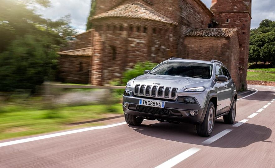 Jeep Cherokee Limited diesel (Euro-spec) - Slide 20