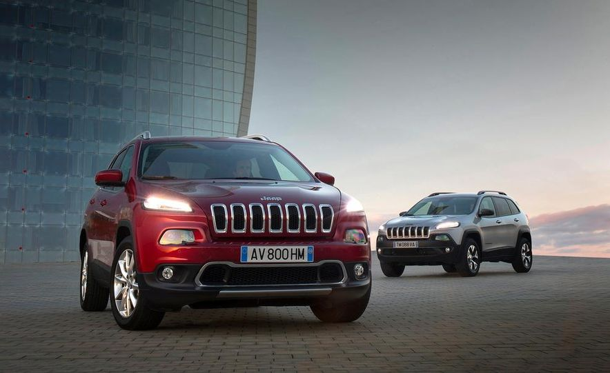 Jeep Cherokee Limited diesel (Euro-spec) - Slide 17
