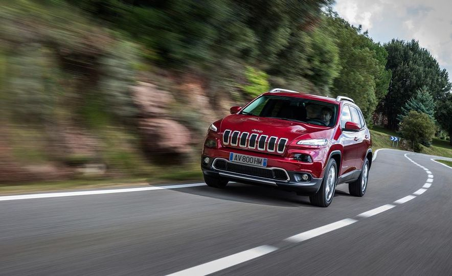 Jeep Cherokee Limited diesel (Euro-spec) - Slide 3