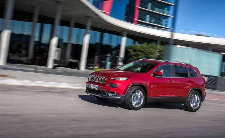 Jeep Cherokee Limited diesel (Euro-spec) - Slide 6