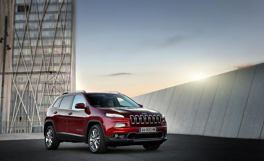 Jeep Cherokee Limited diesel (Euro-spec) - Slide 9