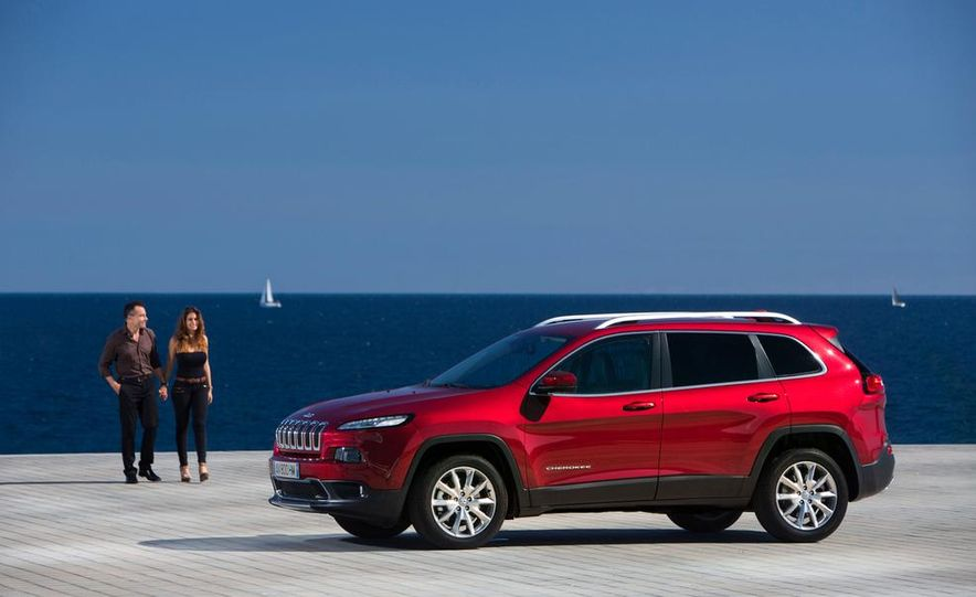 Jeep Cherokee Limited diesel (Euro-spec) - Slide 10