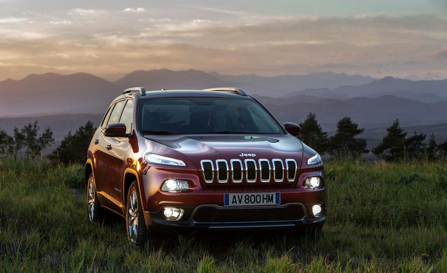Jeep Cherokee Limited diesel (Euro-spec) - Slide 14