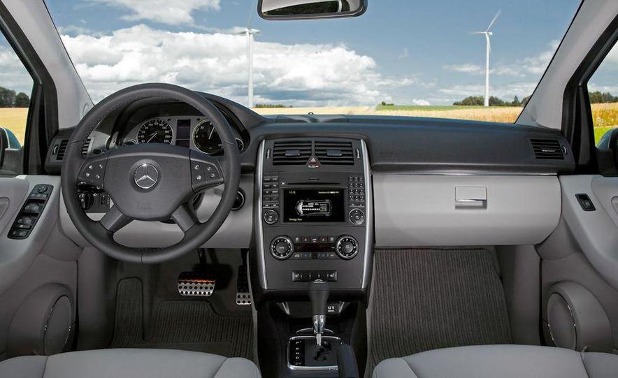 Mercedes-Benz F-Cell - Slide 21