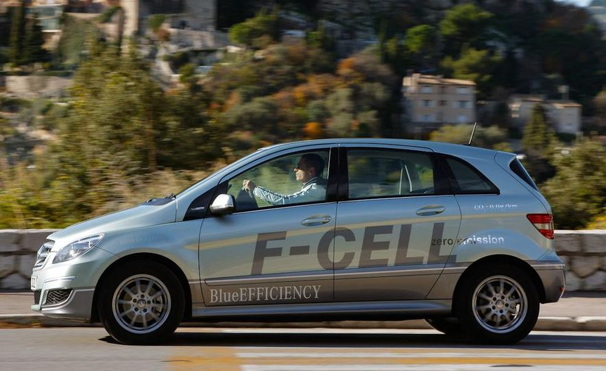 Mercedes-Benz F-Cell - Slide 14