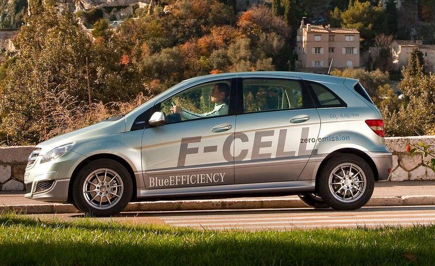 Mercedes-Benz F-Cell - Slide 15