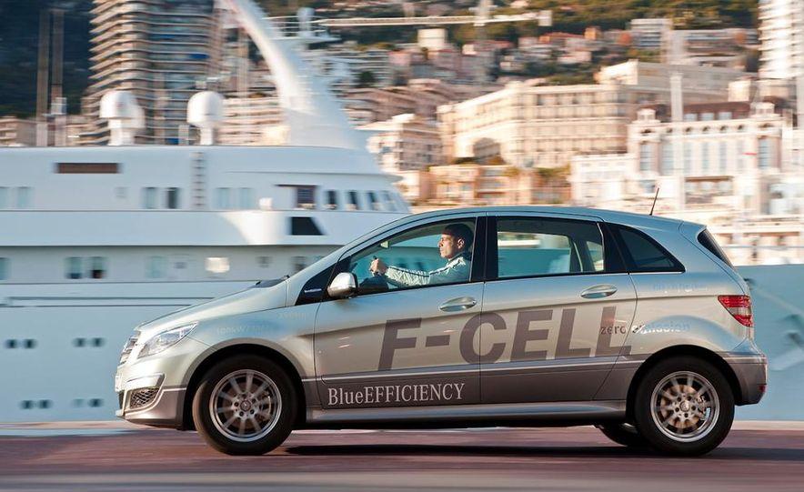Mercedes-Benz F-Cell - Slide 18