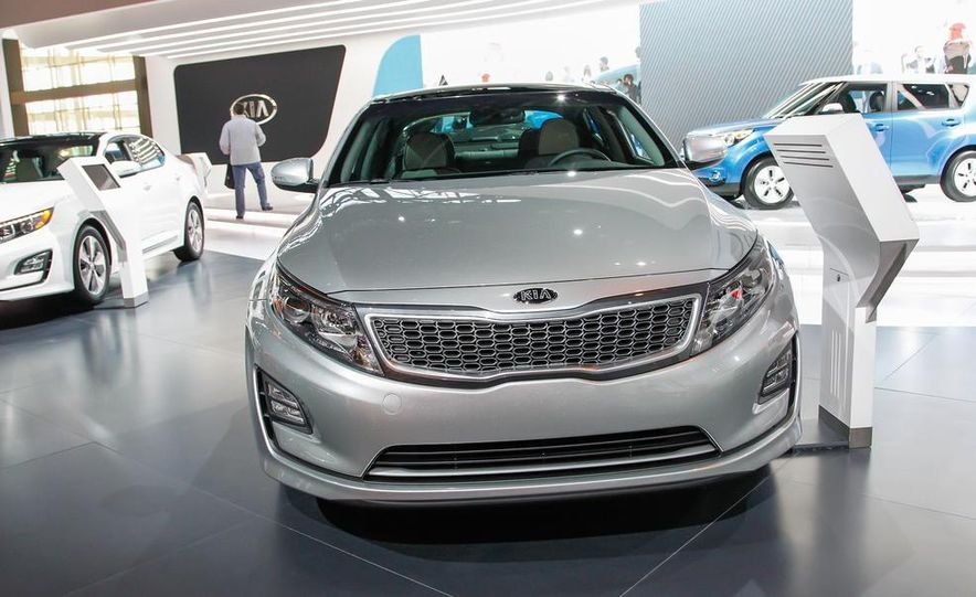 2014 Kia Optima hybrid - Slide 1