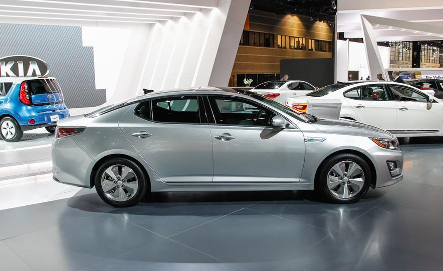 2014 Kia Optima hybrid - Slide 3