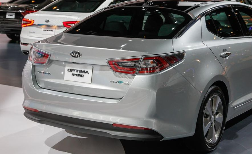 2014 Kia Optima hybrid - Slide 5