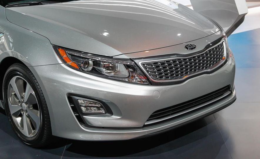 2014 Kia Optima hybrid - Slide 9