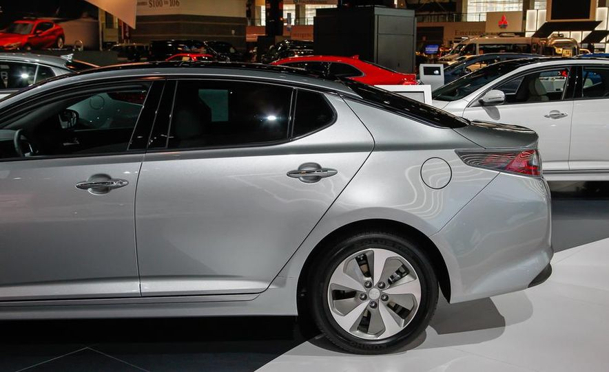 2014 Kia Optima hybrid - Slide 10