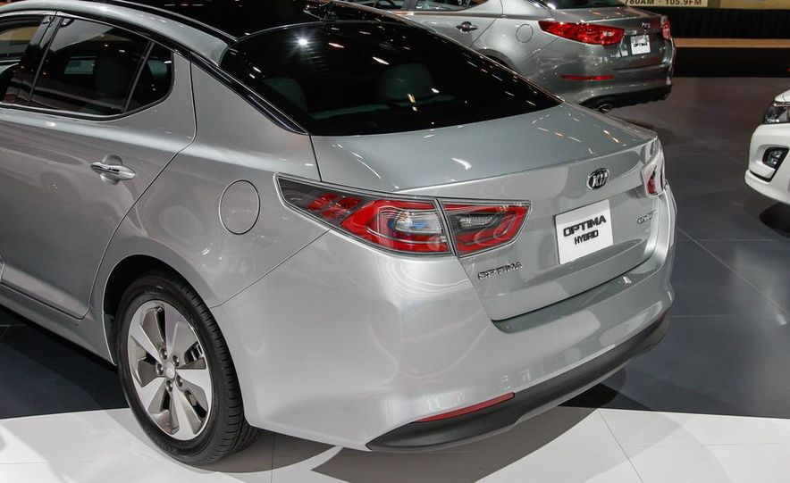 2014 Kia Optima hybrid - Slide 11
