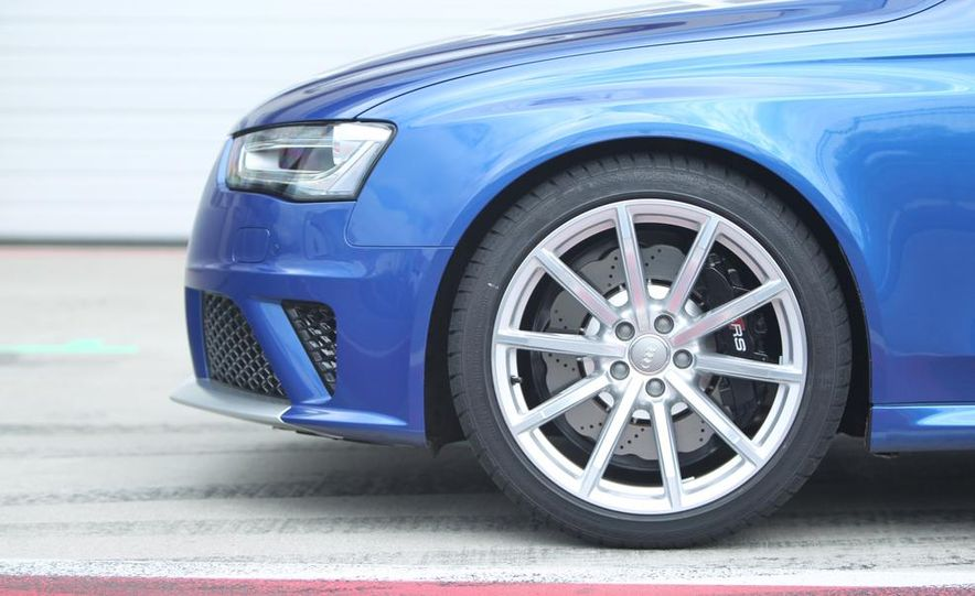 2014 Audi RS4 Avant Nogaro edition - Slide 33