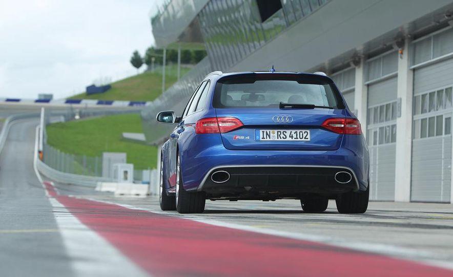 2014 Audi RS4 Avant Nogaro edition - Slide 25