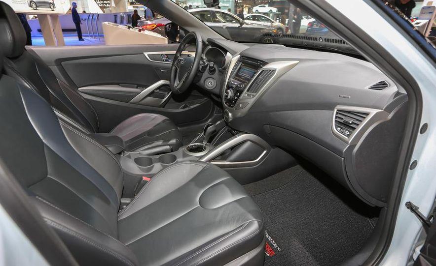 2014 Hyundai Veloster RE:FLEX - Slide 18