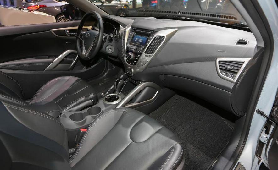 2014 Hyundai Veloster RE:FLEX - Slide 19