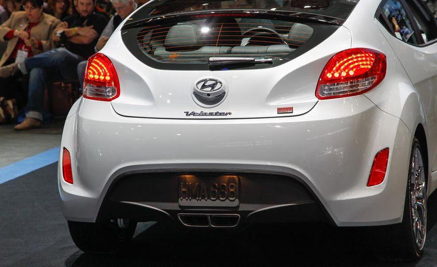 2014 Hyundai Veloster RE:FLEX - Slide 8