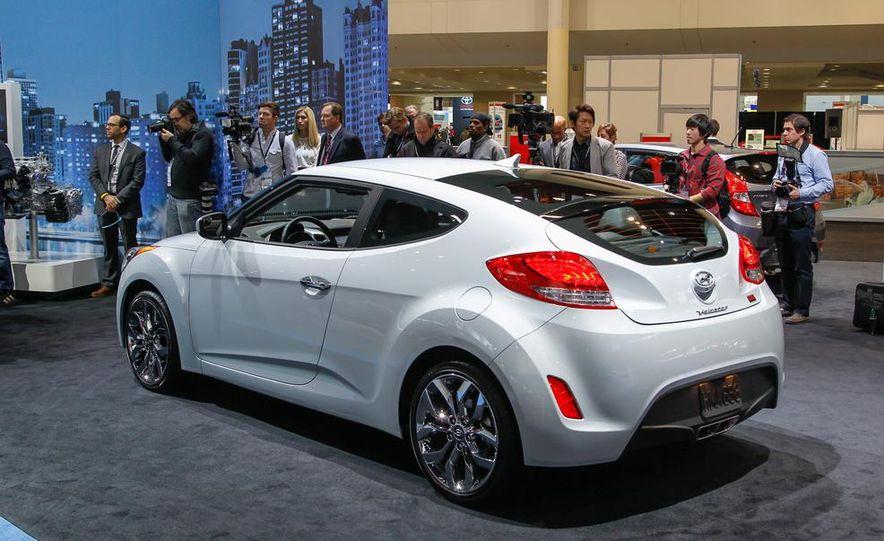 2014 Hyundai Veloster RE:FLEX - Slide 12