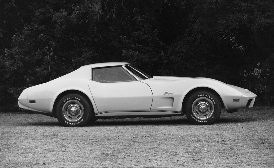 Chevrolet Corvette Stingray vs. Bricklin SV-1