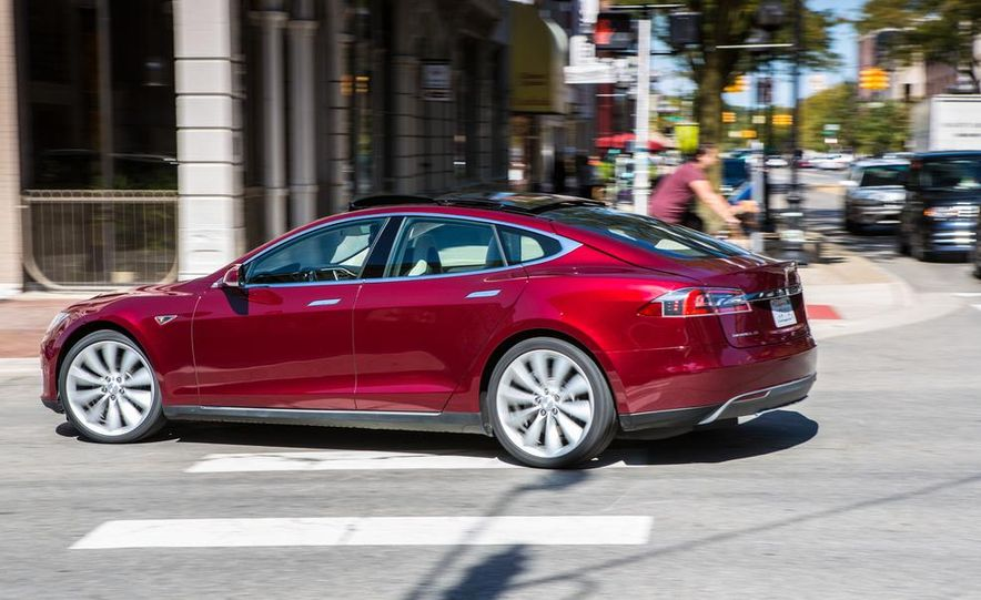 2013 Tesla Model S - Slide 11