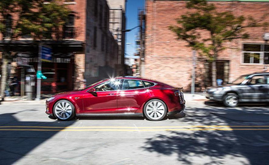 2013 Tesla Model S - Slide 12