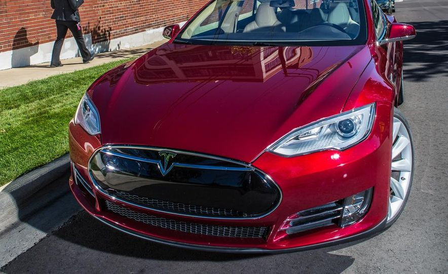 2013 Tesla Model S - Slide 13