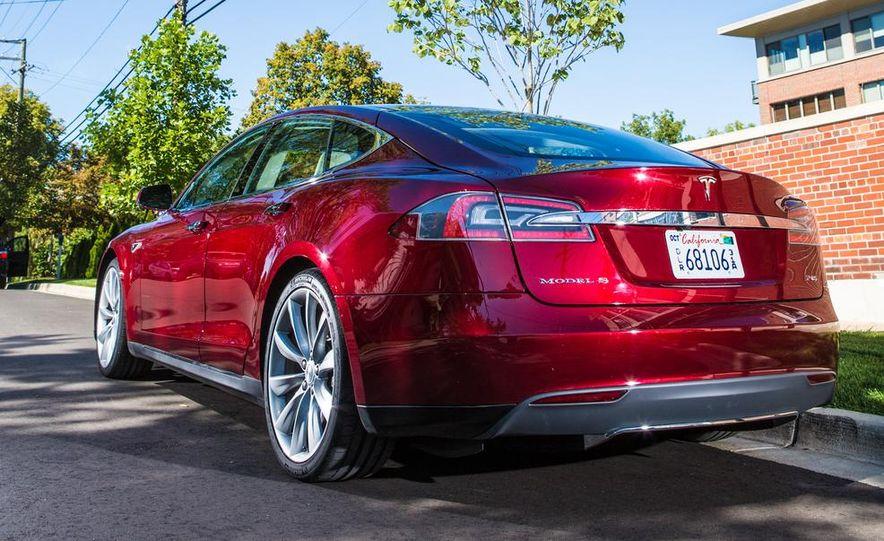 2013 Tesla Model S - Slide 18