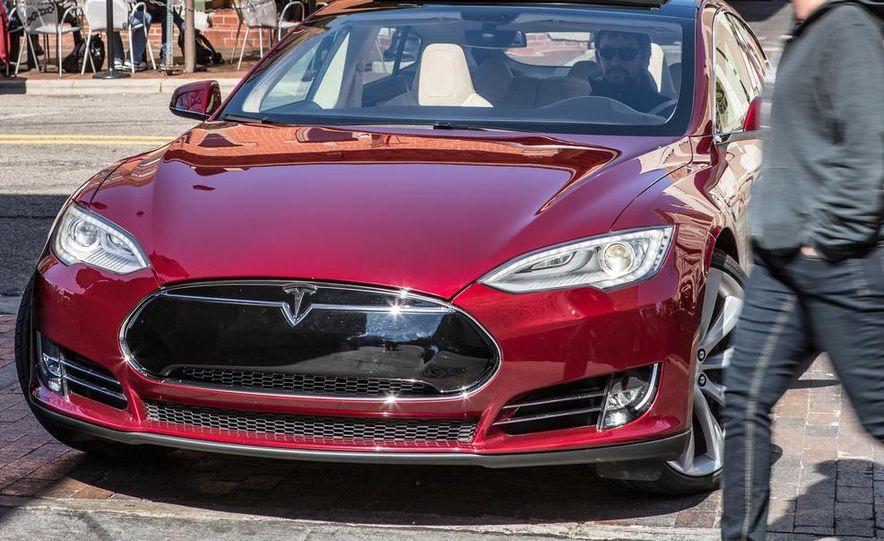 2013 Tesla Model S - Slide 19