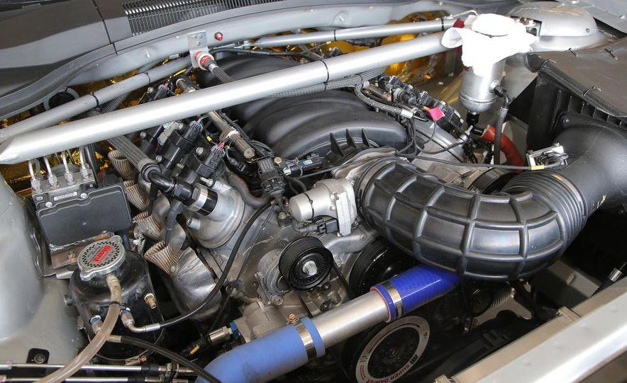 2014 Chevrolet Camaro Z/28.R - Slide 12