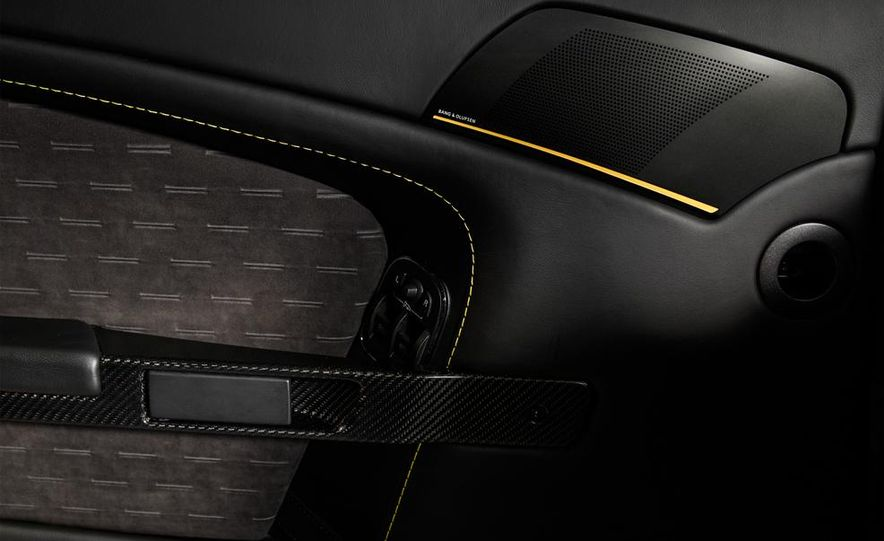 Aston Martin DB9 Carbon Black - Slide 42